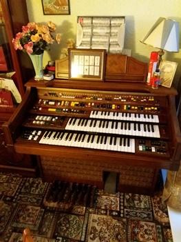 Organ Yamaha d85